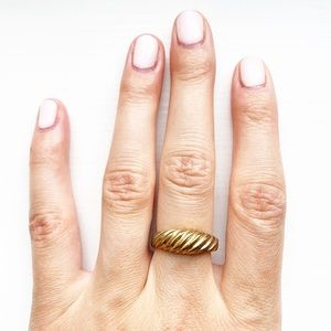 Vintage brassy gold twist ring